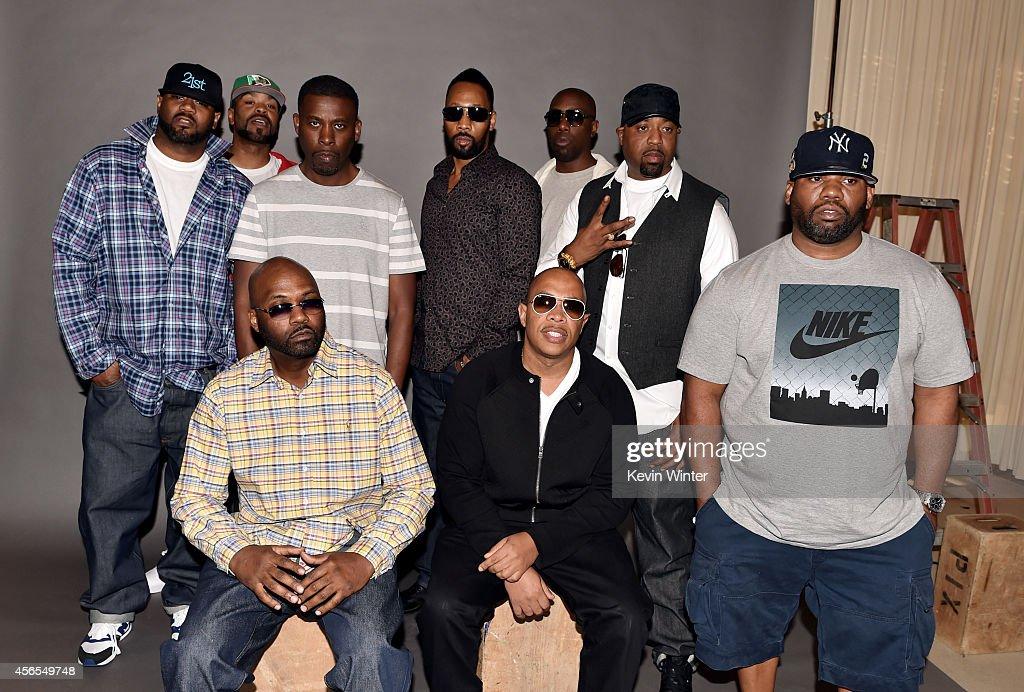 Warner Bros. Records Signs Legendary Hip-Hop Group Wu-Tang Clan : News Photo