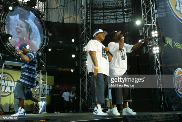 Rappers Sheek Styles P and Jadakiss perform at the Hot 97 Summer Jam 2005 Concert June 5 2005 at Giant Stadium in East Rutherford New Jersey