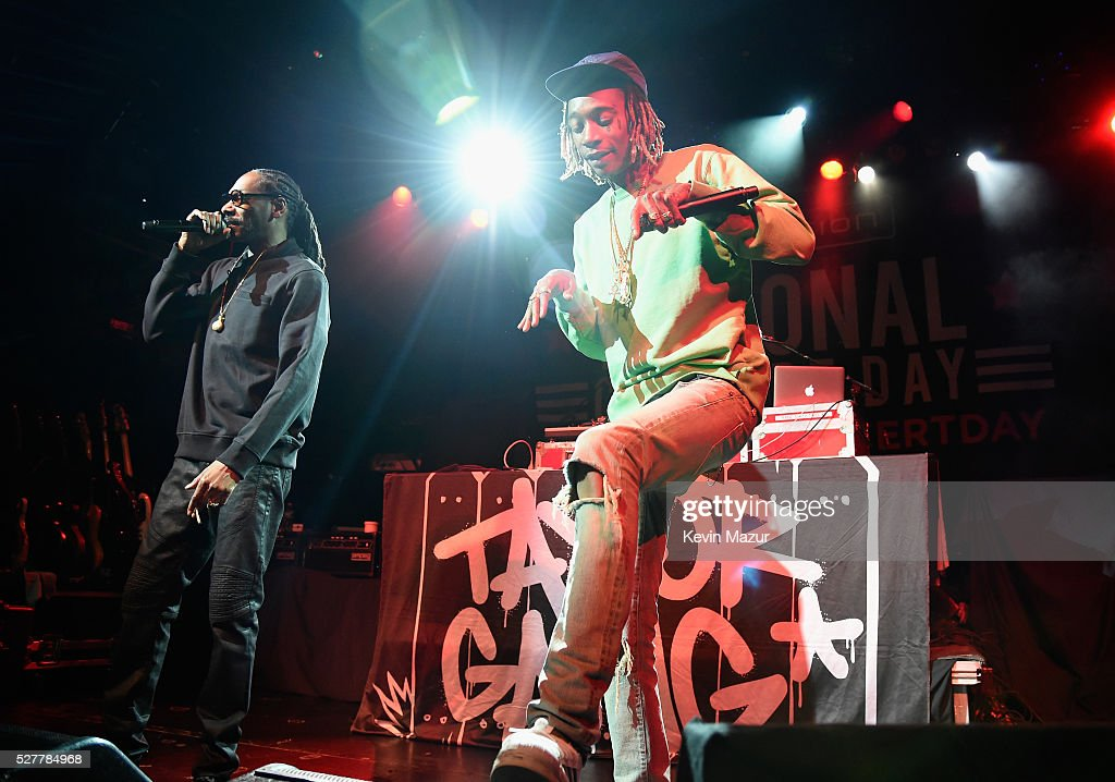 Rappers Snoop Dogg and Wiz Khalifa perform onstage during the 2nd Annual National Concert Day presented by Live Nation at Irving Plaza on May 3, 2016 in New York City.