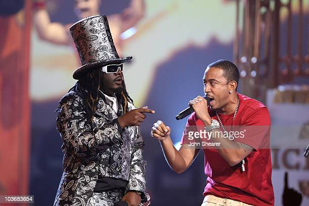 """Rappers T-Pain and Chris """"Ludacris"""" Bridges on stage during the 2008 BET Awards at the Shrine Auditorium on June 24, 2008 in Los Angeles, California."""