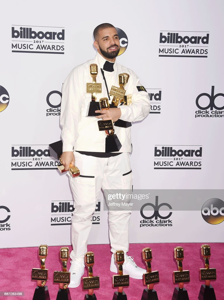 Rapper-singer-songwriter Drake poses with awards at the 2017 Billboard Music Awards at T-Mobile Arena on May 21, 2017 in Las Vegas, Nevada.