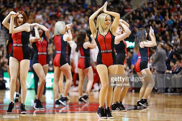 how to be a raptors dance pak girl