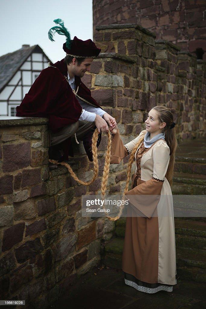 Grimms' Fairy Tales 200th Anniversary Nears : Foto jornalística