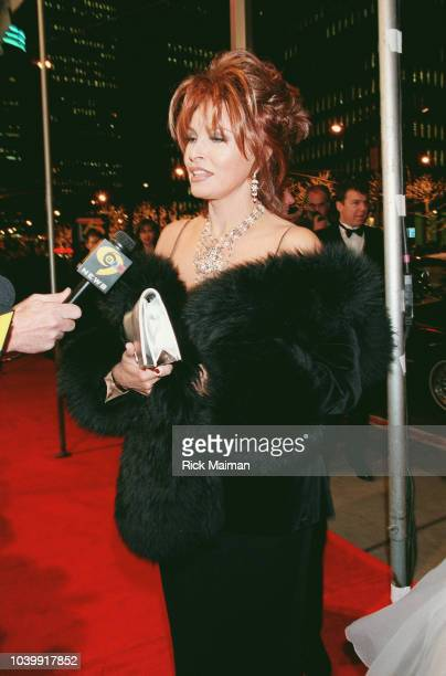 Raquel Welch arrives at the Radio City Music Hall
