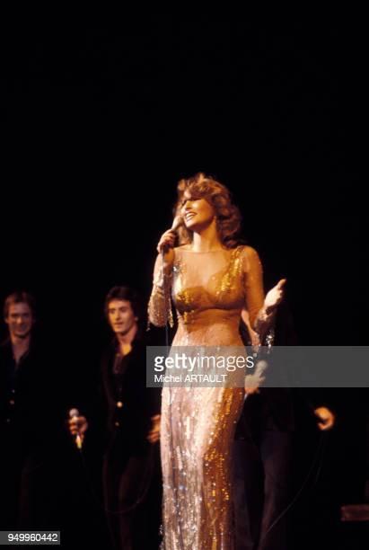 Raquel Welch au Palais des Congrès de Paris le 4 février 1976 France