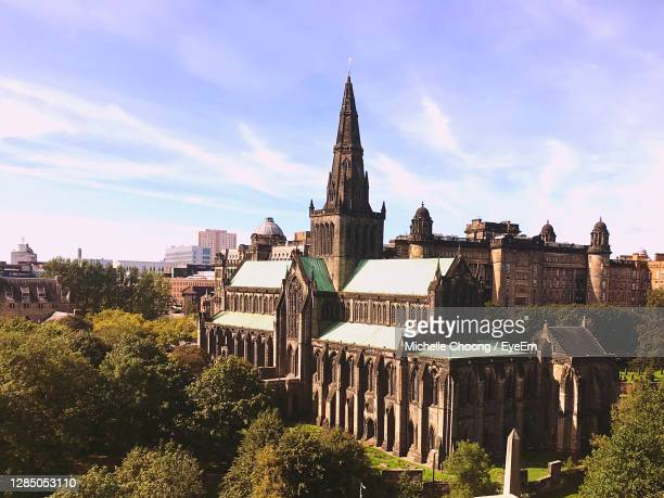 a rare sunny day in glasgow - old glasgow stock pictures, royalty-free photos & images