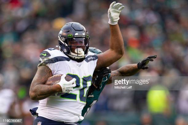 Rashaad Penny of the Seattle Seahawks runs for a touchdown in the fourth quarter against the Philadelphia Eagles at Lincoln Financial Field on...