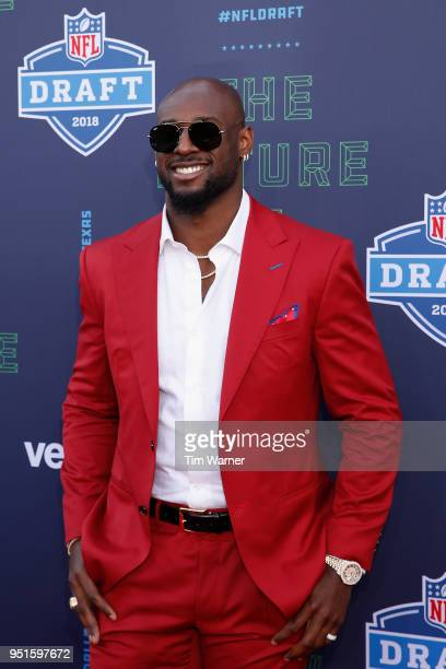 Rashaan Evans of Alabama poses on the red carpet prior to the start of the 2018 NFL Draft at ATT Stadium on April 26 2018 in Arlington Texas