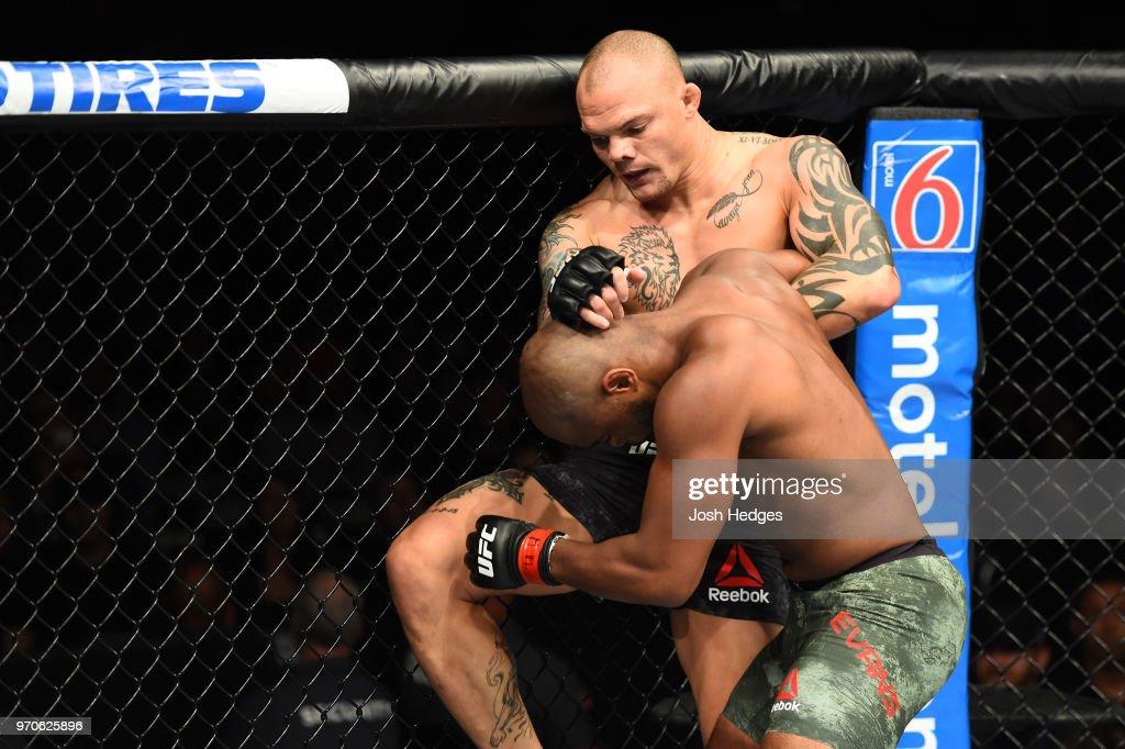 UFC 225: Evans v Smith : ニュース写真