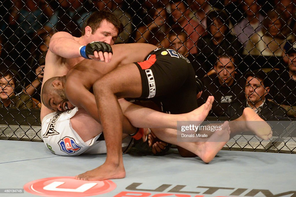 UFC 167: Evans v Sonnen : News Photo