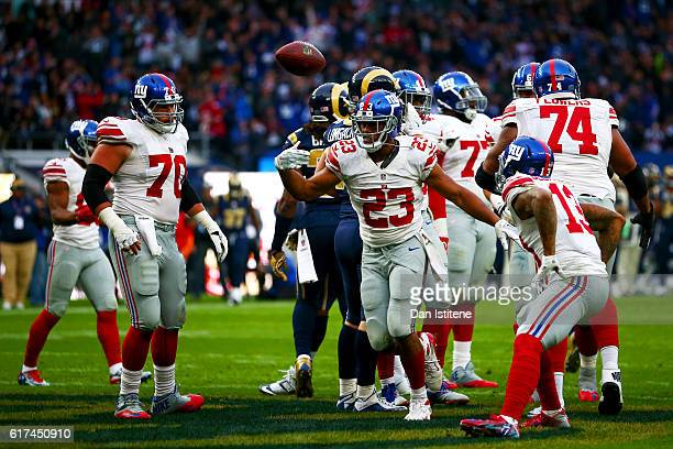 Rashad Jennings of the New York Giants celebrates after scoring a touchdown during the NFL International series game between Los Angeles Rams and New...