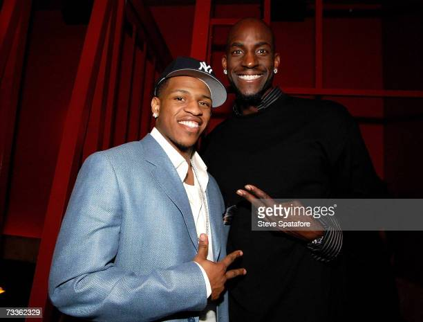 Rashad McCants and Kevin Garnett attend the NBA AllStar Weekend Party hosted by GQ Magazine and Steve Nash of the Phoenix Suns in the VBar at the...