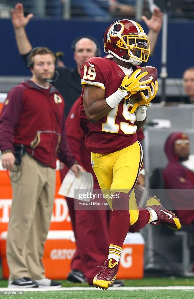 Rashad Ross #19 of the Washington Redskins catches a touchdown pass against the Dallas Cowboys during the second half at AT&T Stadium on January 3, 2016 in Arlington, Texas.