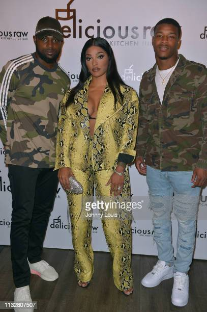 Rashawn Scott Joseline Hernandez and Deon Bush attend an intimate dinner experience at Delicious Raw restaurant on February 27 2019 in Miami Beach...