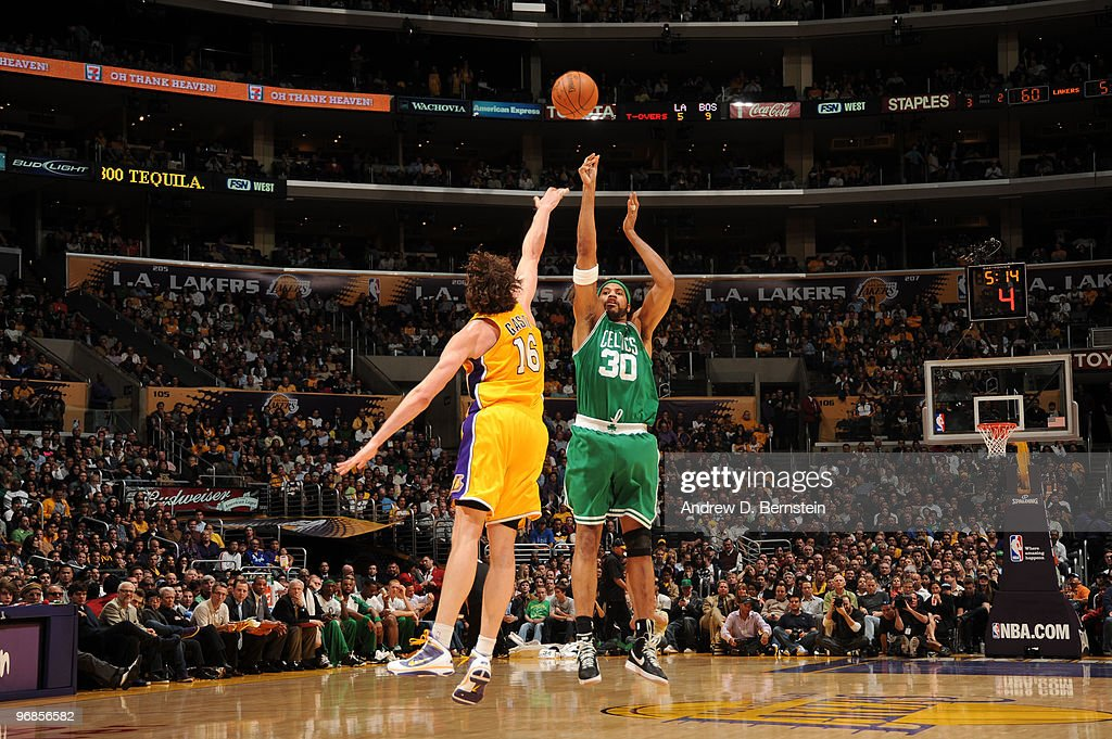 Rasheed Wallace #30 of the Boston Celtics shoots against Pau Gasol #16 of the Los Angeles Lakers at Staples Center on February 18, 2010 in Los Angeles, California.