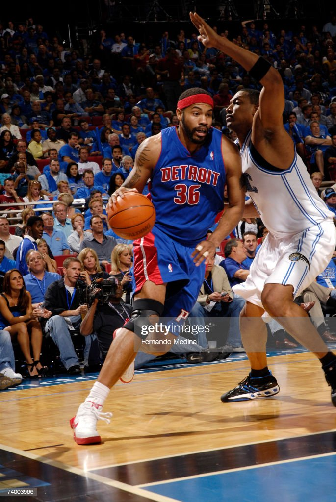 Rasheed Wallace #36 of the Detroit Pistons drives against the Orlando Magic in Game Three of the Eastern Conference Quarterfinals during the 2007 NBA Playoffs at Amway Arena on April 26, 2007 in Orlando, Florida.