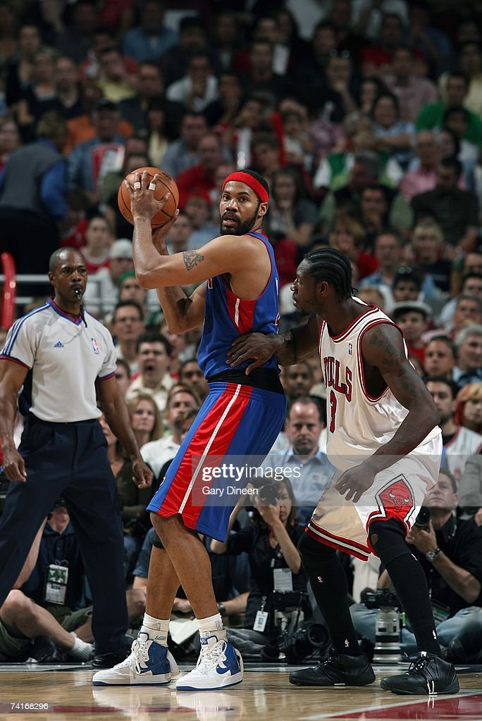 Rasheed Wallace #36 of the Detroit Pistons moves the ball against Ben Wallace #3 of the Chicago Bulls in Game Three of the Eastern Conference Semifinals during the 2007 NBA Playoffs at the United Center on May 10, 2007 in Chicago, Illinois. The Pistons won 81-74 to take a 3-0 lead in the series.