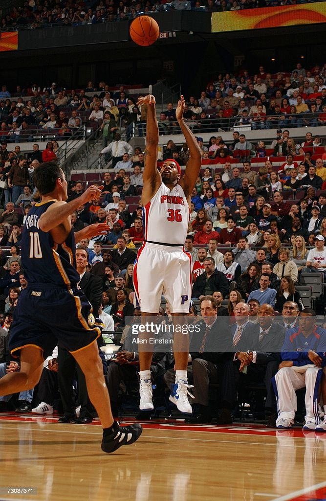 Rasheed Wallace #36 of the Detroit Pistons shoots a jump shot over Jeff Foster #10 of the Indiana Pacers during a game at the Palace of Auburn Hills on December 29, 2006 in Auburn Hills, Michigan. The Pacers won 93-92.