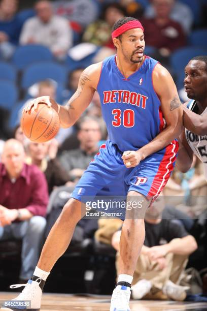 Rasheed Wallace of the Detroit Pistons takes on Al Jefferson of the Minnesota Timberwolves during the game on January 28 2009 at the Target Center in...
