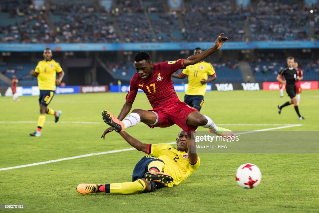 Rashid Alhassan of Ghana and Andres Cifuentes of Columbia battle for the ballduring the FIFA U-17 World Cup India 2017 group A match between Colombia and Ghana at Jawaharlal Nehru Stadium on October 6, 2017 in New Delhi, India.