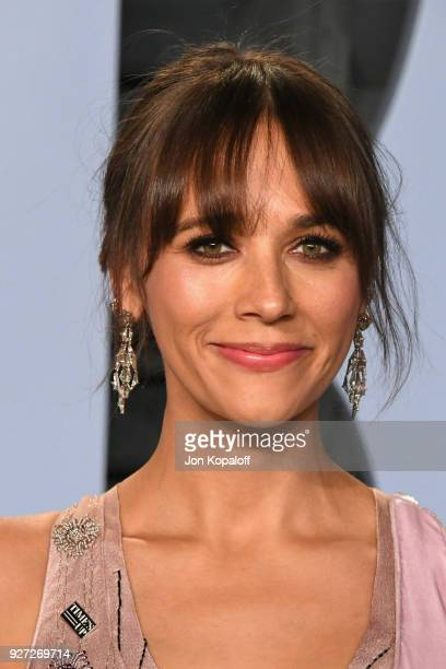 Rashida Jones attends the 2018 Vanity Fair Oscar Party hosted by Radhika Jones at Wallis Annenberg Center for the Performing Arts on March 4 2018 in...