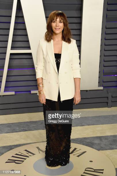Rashida Jones attends the 2019 Vanity Fair Oscar Party hosted by Radhika Jones at Wallis Annenberg Center for the Performing Arts on February 24,...