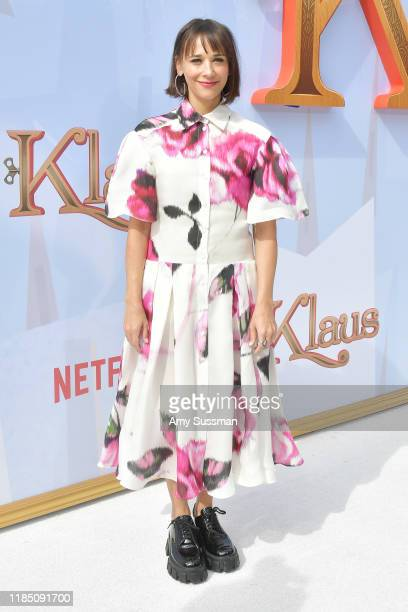 "Rashida Jones attends the premiere of Netflix's ""Klaus"" at Regency Village Theatre on November 02, 2019 in Westwood, California."