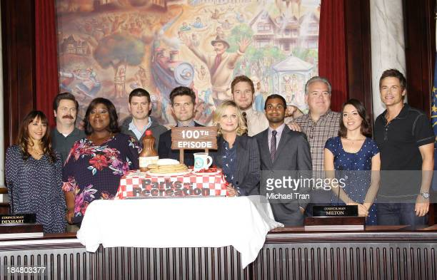 Rashida Jones Nick Offerman Retta Michael Schur Adam Scott Amy Poehler Chris Pratt Aziz Ansari Jim O'Heir Aubrey Plaza and Rob Lowe attend the 'Parks...