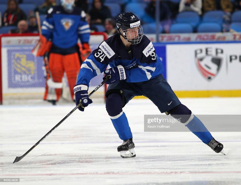 United States v Finland - 2018 IIHF World Junior Championship : News Photo