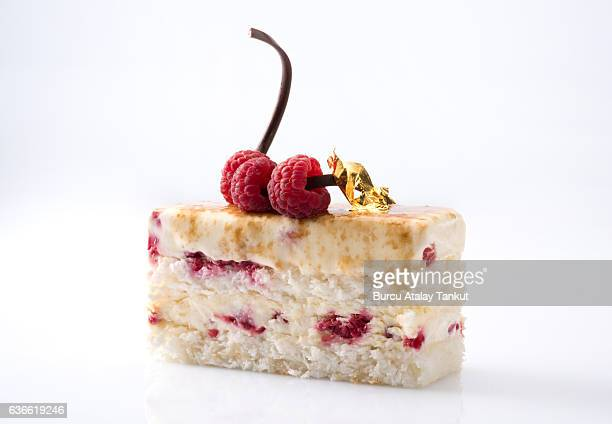 raspberry cake - fruit cake stock pictures, royalty-free photos & images