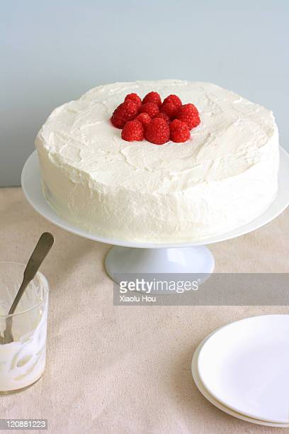 raspberry tres leches cake - sponge cake stock pictures, royalty-free photos & images