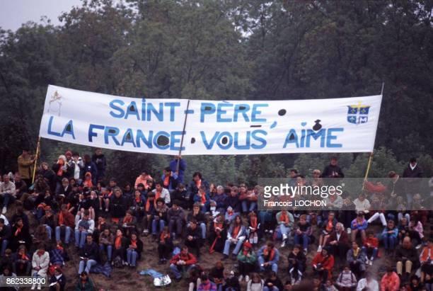 Rassemblement de fidèles lors de la visite du pape JeanPaul II en septembre 1996 France