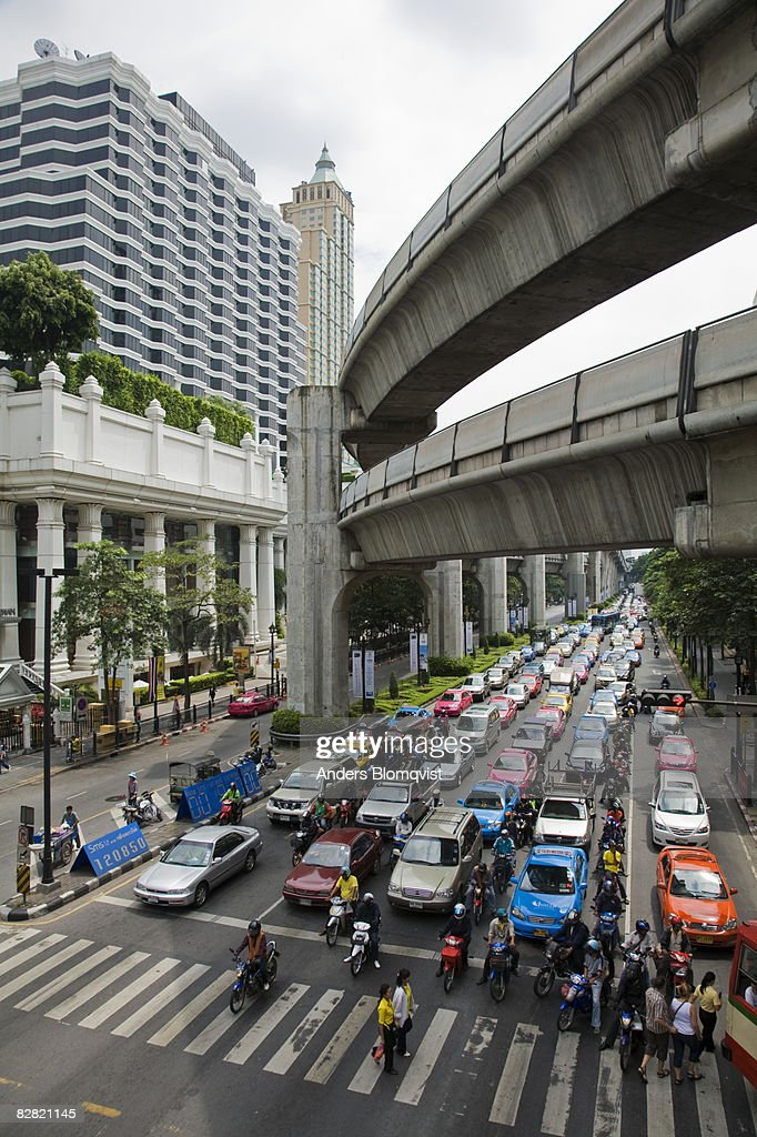 Ratchadamri Road traffic in Bangkok, Thailand : ストックフォト