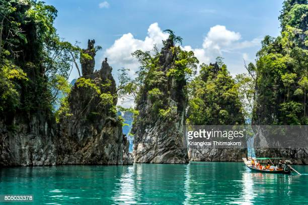 ratchaprapa dam (cheow lan dam), suratthani, thailand. - surat thani province stock pictures, royalty-free photos & images