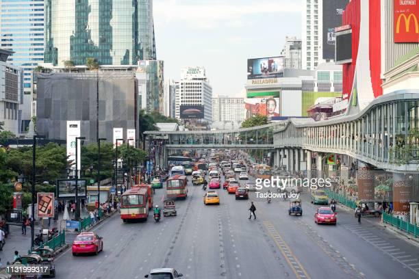 ratchaprasong road - ラチャプラソン ストックフォトと画像