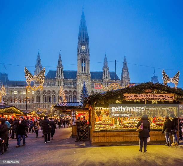 Rathausplatz (square), the Christmas Market