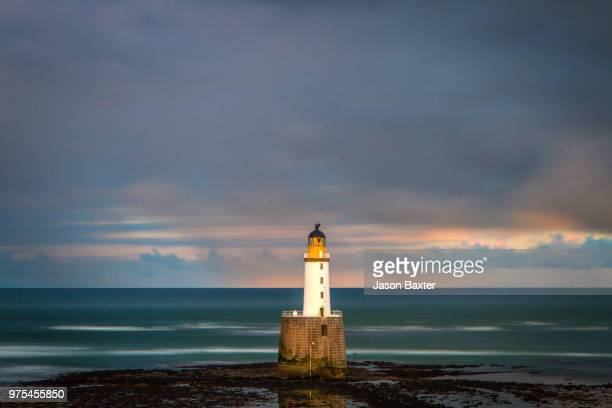 rattray head lighthouse, buchan - rattray head stock pictures, royalty-free photos & images