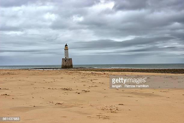 rattray lighthouse, aberdeenshire - rattray head stock pictures, royalty-free photos & images