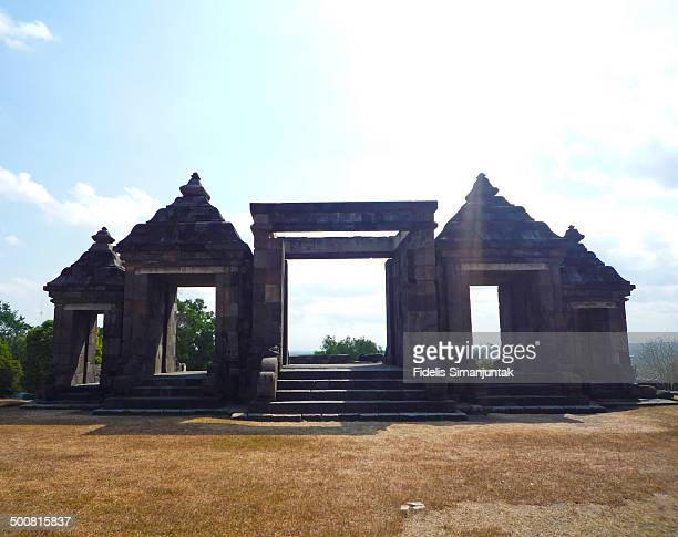 CONTENT] Ratu Boko is an archaeological site known to modern Javanese as Kraton Ratu Boko or Ratu Boko's Palace This place is located near Prambanan...