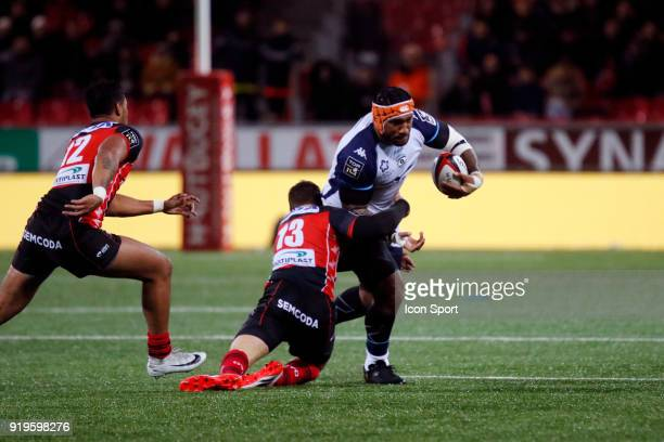 Ratu Driu Nasiganiyavi of Montpellier and Vincent Lasmarrigues of Oyonnax and Ulupano Seuteni of Oyonnax during the French Top 14 match between...