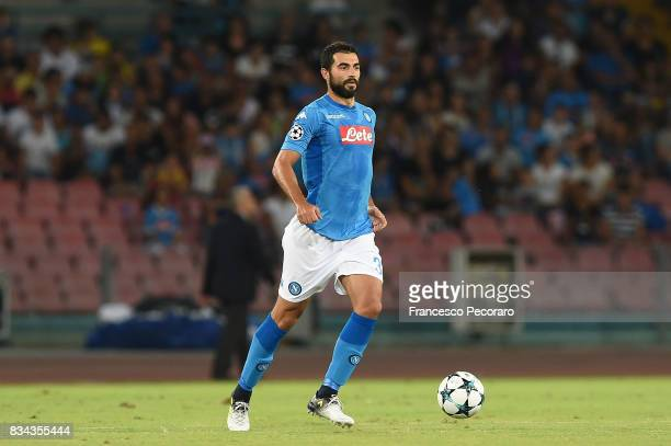 Raul Albiol of SSC Napoli in action during the UEFA Champions League Qualifying PlayOffs Round First Leg match between SSC Napoli and OGC Nice at...