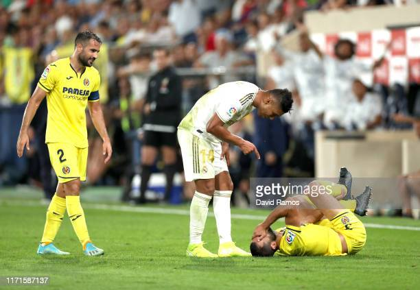 Raul Albiol of Villarreal is shouted at by Casemiro of Real Madrid during the Liga match between Villarreal CF and Real Madrid CF at Estadio de la...