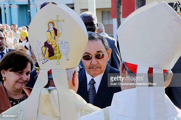 Raul Castro President of Cuba talks to Cardinal Jose Saraivan Martins of the Vatican's Congreagation for the Saints and Cardinal Jaime Ortega from...