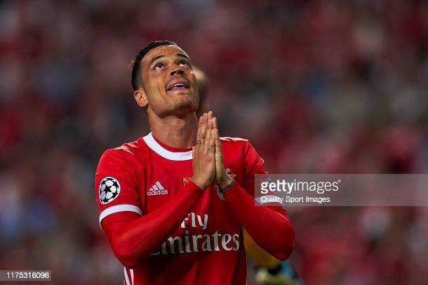 Raul de Tomas of SL Benfica reacts during the UEFA Champions League group G match between SL Benfica and RB Leipzig at Estadio da Luz on September 17...