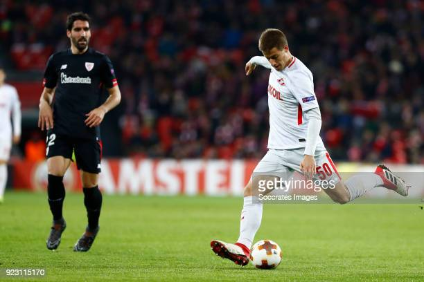 Raul Garcia of Athletic Bilbao Mario Pasalic of Spartak Moscow during the UEFA Europa League match between Athletic de Bilbao v Spartak Moscow at the...