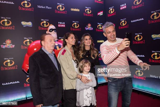 Raul Gil Adriane Galisteu Flavia Alessandra and Otaviano Costa attend the Sao Paulo Premiere of Incredibles 2 at Shopping Market Place on June 23...