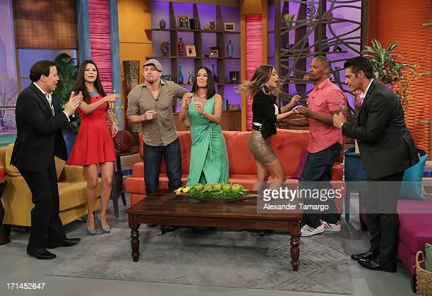 Raul Gonzalez Ana Patricia Gonzalez Channing Tatum Karla Martinez Maria Elisa Camargo Jamie Foxx and Johnny Lozada appear on Univision's 'Despierta...