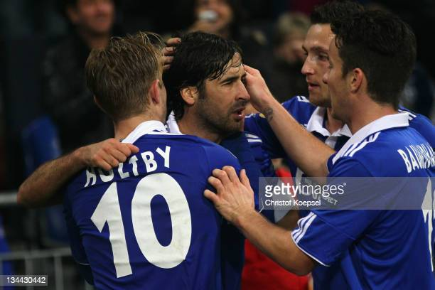 Raul Gonzalez celebrates the second goal with Lewis Holtby Alexander Baumjohann and Marco Hoeger of Schalke during the UEFA Europa League group J...