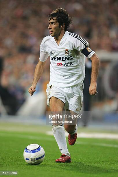 Raul Gonzalez of Real Madrid during the La Liga match between Real Madrid v Valencia at the Bernabau stadium on October 23 2004 in Madrid Spain