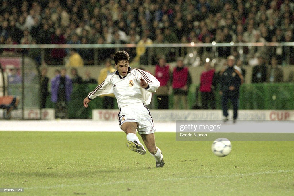 Real Madrid v Vasco da Gama - Toyota Cup : News Photo